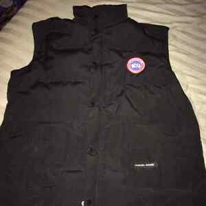 cheap canada goose freestyle vest forest green men's