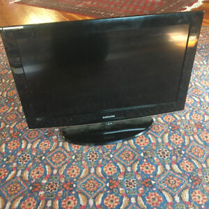 "Samsung 32"" screen"