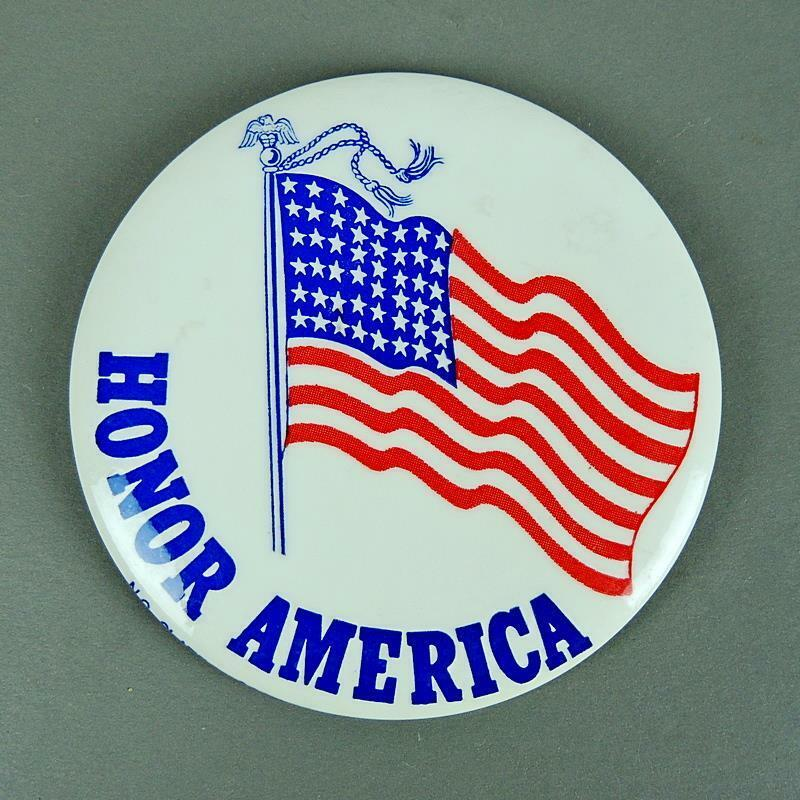 Honor America Flag Patriotic Pro Nixon & Vietnam War Cause Pinback Button 1970s