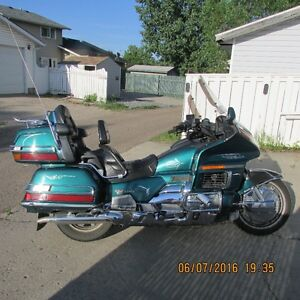 1995 1500 Gold Wing Aspencade (Canadian Anniversary Edition)