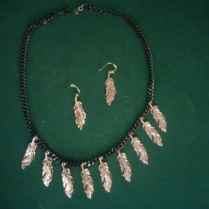 Stella and Dot gorgeous 4 piece Necklace Set-Great Gift-Perfect! London Ontario image 2