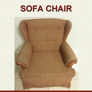 CASUAL SOFA CHAIR IN GREAT CONDITION - PRICED TO SELL