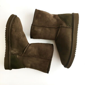NEW! UGG Style Sheepskin Brown Boots Bottes peau de mouton Sz 8