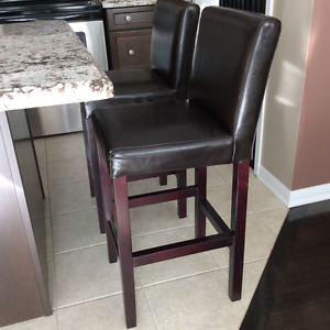 Buy Or Sell Chairs Recliners In Mississauga Peel Region Furniture Kijiji Classifieds