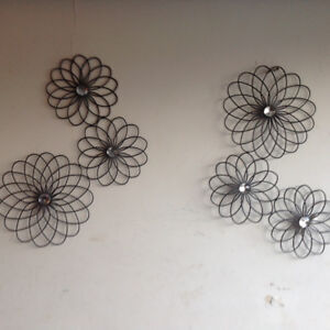 Set of decorative flowers - to be hung on wall