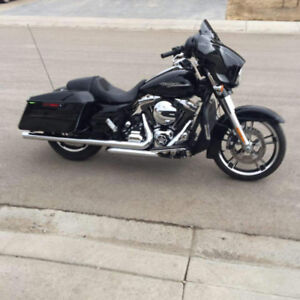 2014 Harley Davidson Street Glide .. great shape with low kms