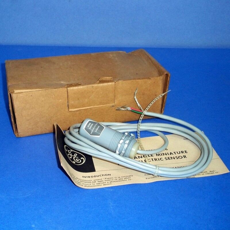 GENERAL ELECTRIC RIGHT ANGLE MINIATURE PHOTOELECTRIC SENSOR, 3S7505SS523E6 *NEW*