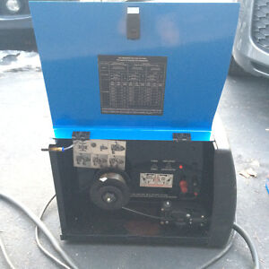 Mig/ Flux core welder - Like New