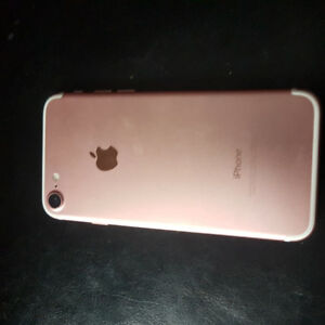 Rose gold I phone 7 mint condition