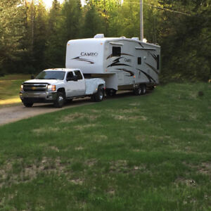 5th Wheel 2006 Cameo Truck Combo 2011 Chev 3500HD Dually Diesel