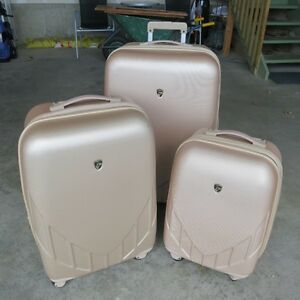 Heys expandable luggage 3-pieces