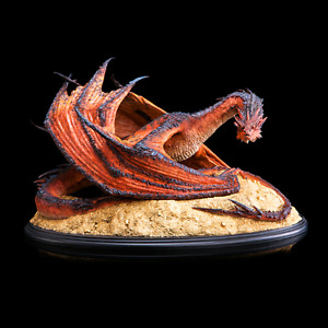 Weta Smaug the Terrible statue