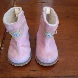 Pink lightly lined Boots Size 3