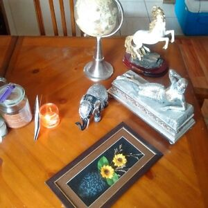 Various pic frames & decorative items (downsizing)