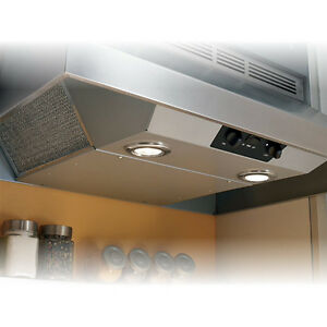 BROAN RANGE HOOD NEW IN BOX ** PRICED TO SELL ** AMAZING DEAL !!