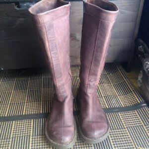 Rare Doc Martens knee high boots EU40