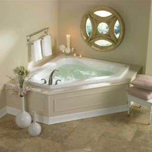 Jacuzzi corner jet tub new condition