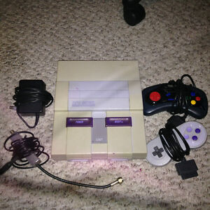 SUPER NINTENDO SNES Console with 2 Controllers and 1 Game