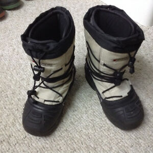 Baffin snow boots for youth