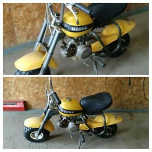 Petite moto Honda