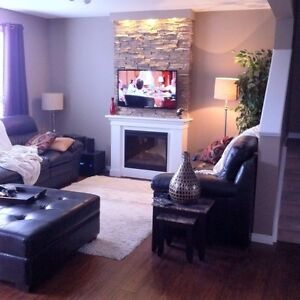 Spacious Room for Rent in modern home-Fully Furnished London Ontario image 3