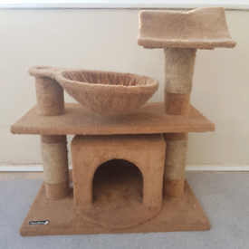 Cat tree activity centre