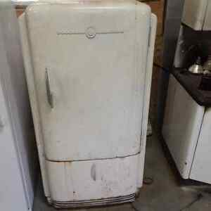 Frigidaire Antique