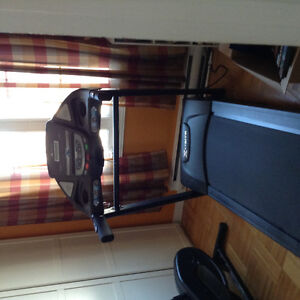 Treadmill and elliptical/Tapis roulant et Elliptique