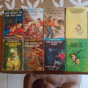 Hardy Boys Hard Cover Books - Waterloo Kitchener / Waterloo Kitchener Area image 2