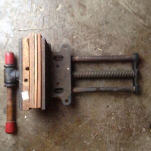 Wood workiing Vise - under bench mount