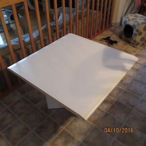 table de salon en melamine