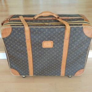 "Louis Vuitton Luggage Wheel Travel Bag 27x10x23""Perfectly clean"