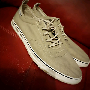 COLUMBIA MENS SHOE SIZE 14 WORN ONCE