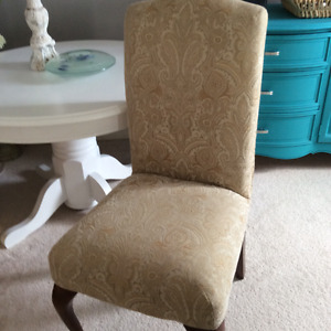 Accent chairs ,entry table,antique hutch,moving sale