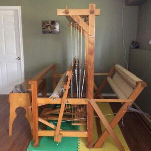 Floor Loom for hand weaving