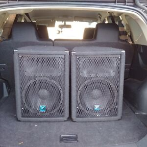 Pair of Yorkville YX10P  Powered Speakers for sale brampton