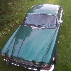 1973 Jaguar XJ6 Series 1 with New Wire Wheels