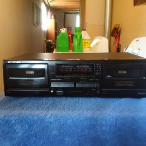 Pioneer tape player