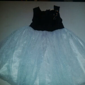 Girls Special Occasion dress size 5 Cambridge Kitchener Area image 4