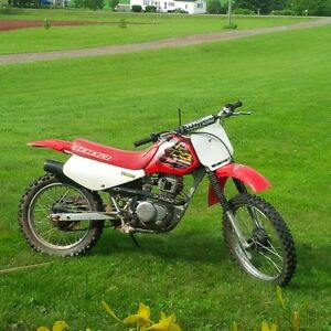 2000 Honda XR 100 Dirt Bike