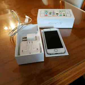 Iphone 5S 16gb, like new no scratch