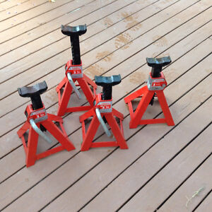 FOR SALE:  4 -  3   Ton  Axle Stands