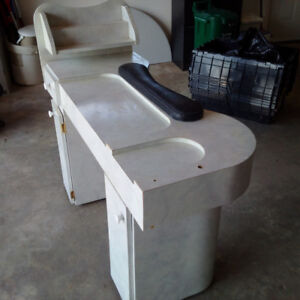 For sale: Manicure table