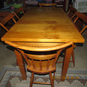 SOLID PINE TABLE WITH DOVE TAILED DRAWER Kingston Kingston Area image 1