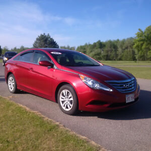 2011 Hyundai Sonata. Low KMS,  New MVI, Clean Carproof