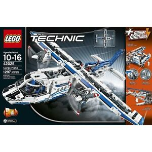 LEGO TECHNIC CARGO PLANE - BNIB (RETIRED SET)