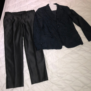 Size 10_Children`s Suit Size 10 from Italy