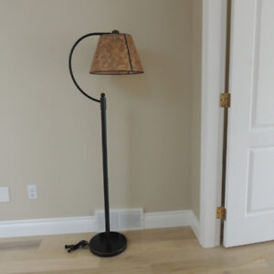5-foot Cadiz floor lamp