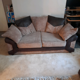 A 3 and a 2 seater sofa