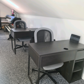 Office with desks and wifi included